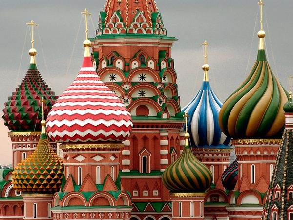 10 common myths about famous landmarks listverse for Famous landmarks in russia