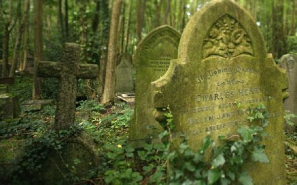 Graveyard2 1006701C