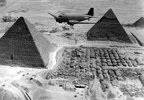 Over-Pyramids-1943-World-War-2