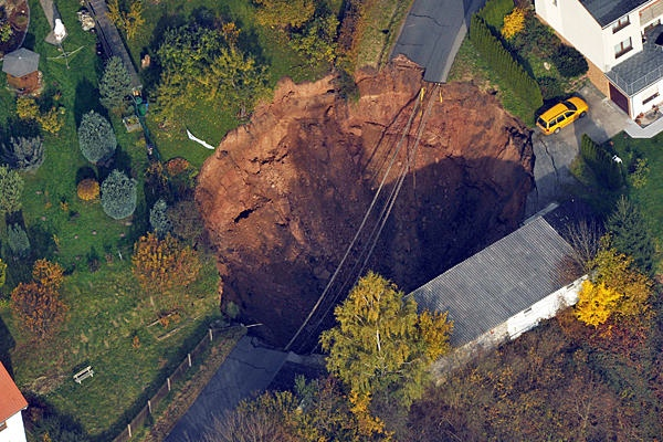 1101-Sinkhole-Germany Full 600