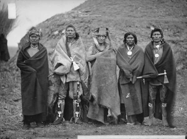 Group-Of-5-Pawnee-Men-1868