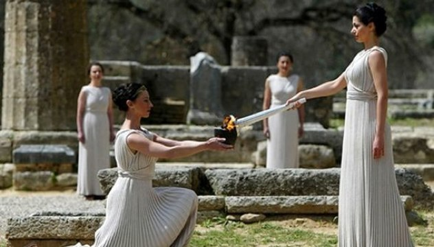 Lighting-The-Olympic-Torch-In-Olympia1