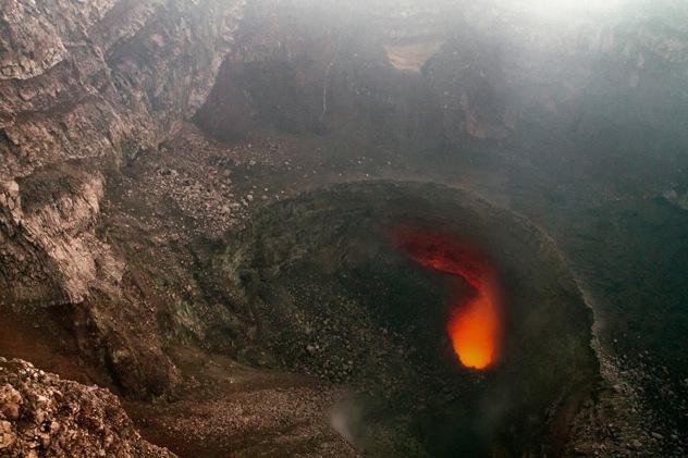 Nicaragua-Masaya-Volcano-Crater-Lava