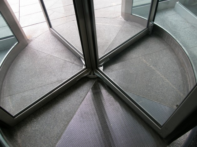 Revolving door (base)