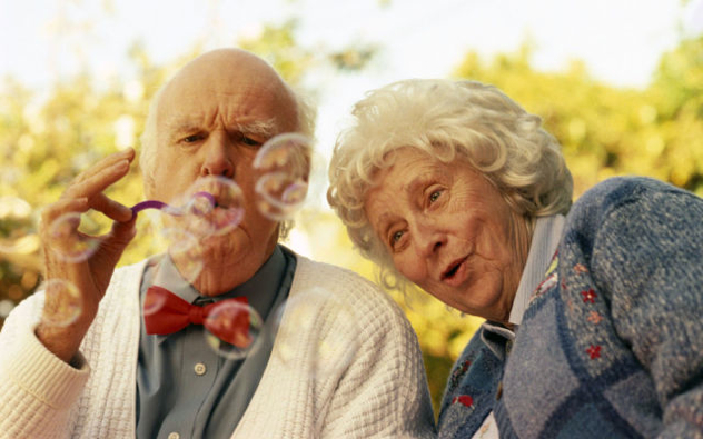 Old Couples In Love Are So Cute 640 16