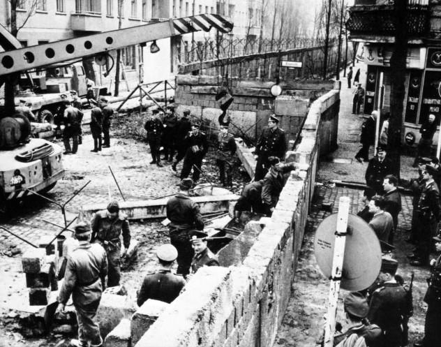 the_berlin_wall_memorial_maue0