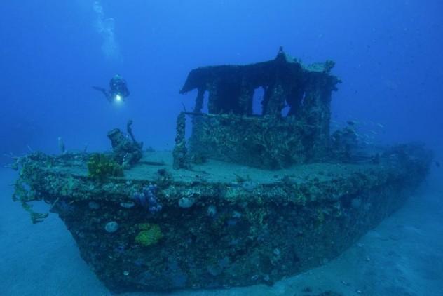 10 Astonishing Shipwreck Treasures Listverse