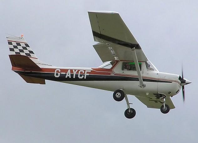 800px-Cessna.fa150k.g-aycf.arp