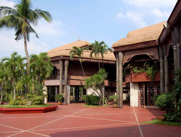 Coconut_Palace_Court