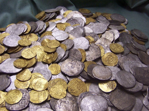 Gold-and-silver-coins-from-Flickr-Gerard_Belfast