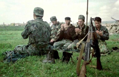 FILE-RUSSIA-CHECHNYA-FIGHTERS