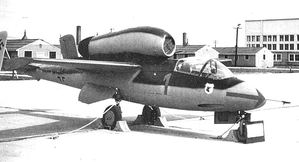 Heinkel_He_162_Freeman_Field_IN_1945