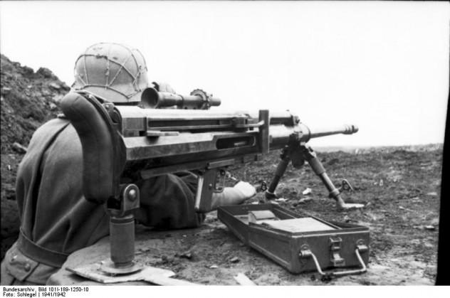 Russland-Süd, Soldat mit Panzerbüchse