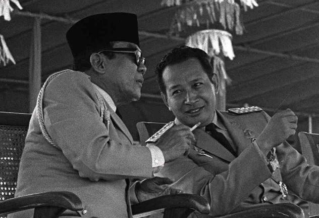 suharto_sukarno-2dcbd79e06fd8c030c72fc486b1f6d1bb647ee7e-s6-c30