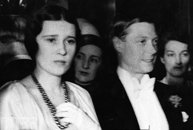 640px-Thelma_Furness_and_the_Prince_1932