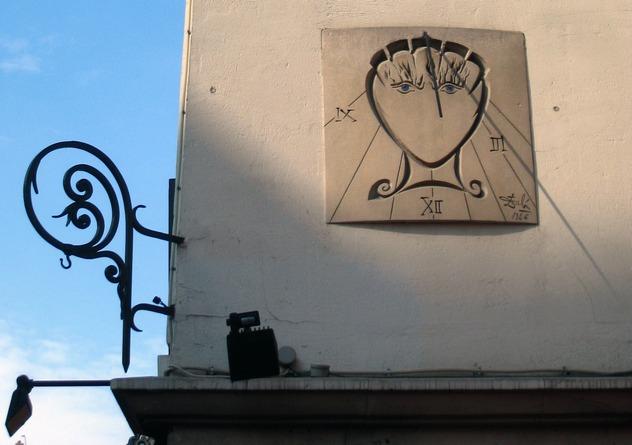 10_Le_Cadran_de_Dalí, _Rue_Saint-Jacques, _2010-07-24