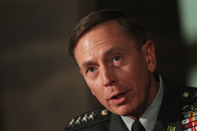 Zu Guttenberg Meets With ISAF Commander General Petraeus