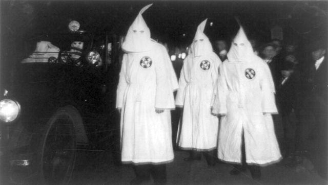 640px-Ku_Klux_Klan_Virgina_1922_Parade