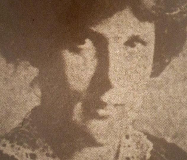 640px-Poyntz-Juliet-1918