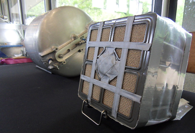 APOLLO_13_LITHIUM_HYDROXIDE_CANISTER