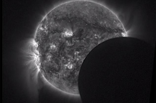 8- eclipse