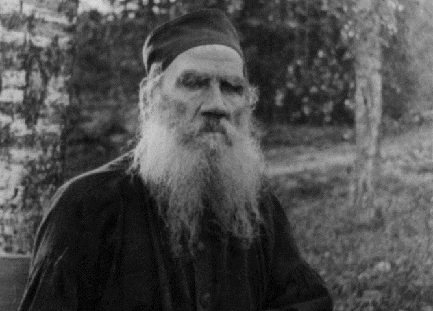 Leo_Tolstoy_seated