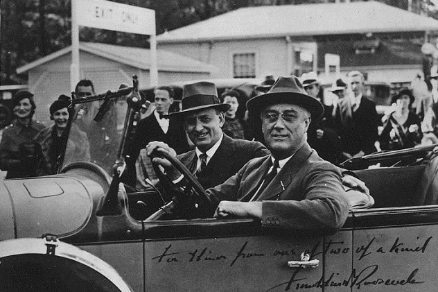 762px-Franklin_D._Roosevelt_and_Henry_Morgenthau_Jr_-_NARA_-_195619