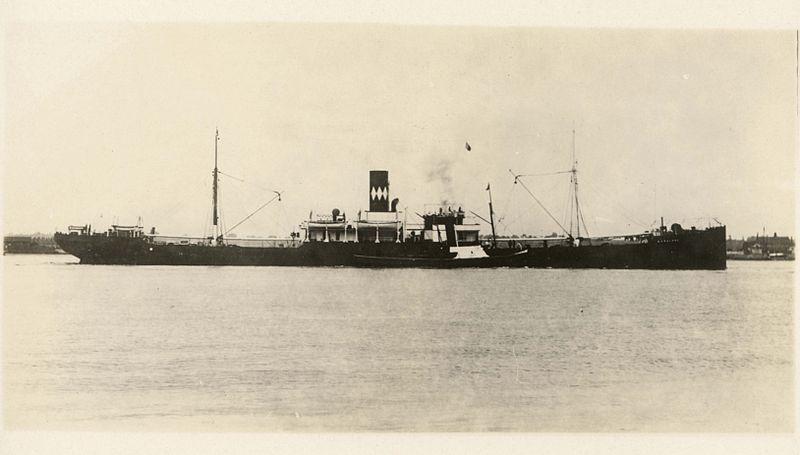800px-HMS_Baralong