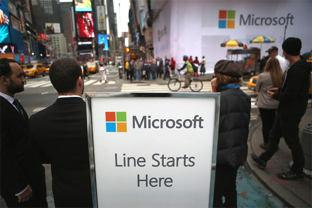 Microsoft Prepares To Unveil Surface Tablet At New Times Square Store