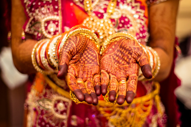 10 Wedding Traditions From Around The World One: 10 Unique Customs You'll Only Find In Specific Cultures