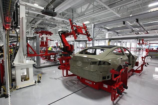 800px-Tesla_auto_bots