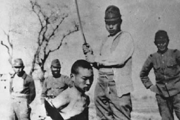Chinese_to_be_beheaded_in_Nanking_Massacre