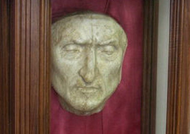 Dante death mask cropped