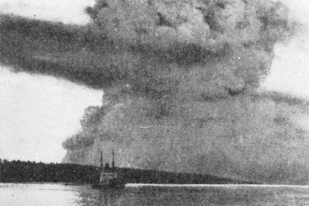 Halifax_Explosion_blast_cloud