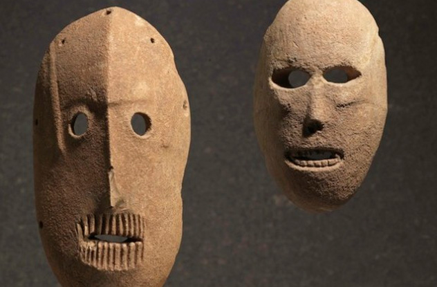 Of The Oldest Artifacts In The World Listverse - 30 incredible historic artifacts