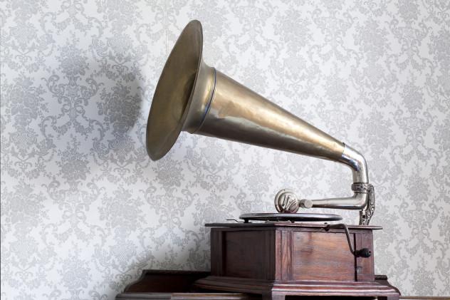 1 phonograph