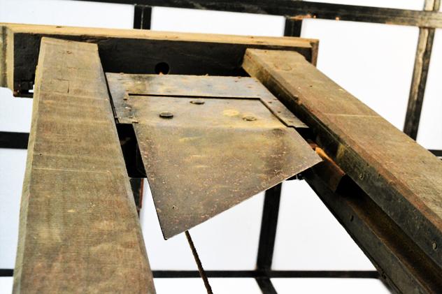 2- guillotine