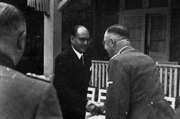 Subhas Chandra Bose bei Heinrich Himmler