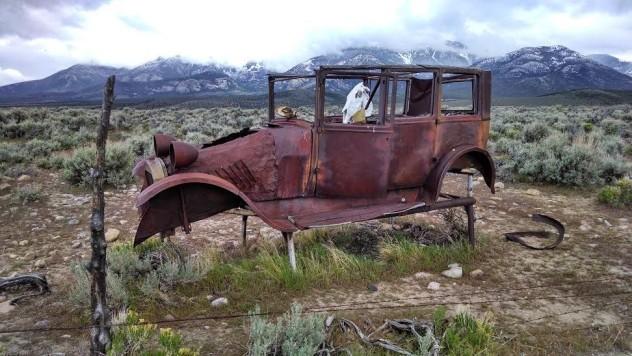 2 horse car