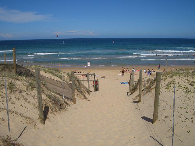 640px-Wanda_Beach_1