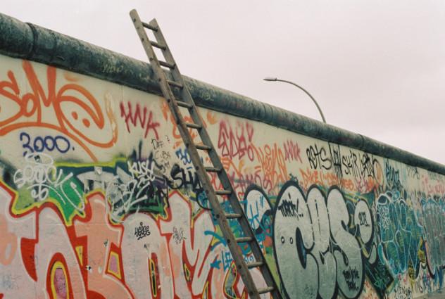 8 berlin wall