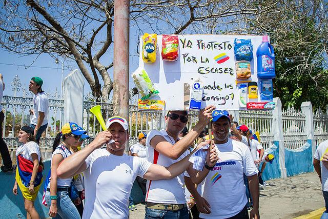 Marcha_hacia_el_Palacio_de_Justicia_de_Maracaibo_-_Venezuela_16
