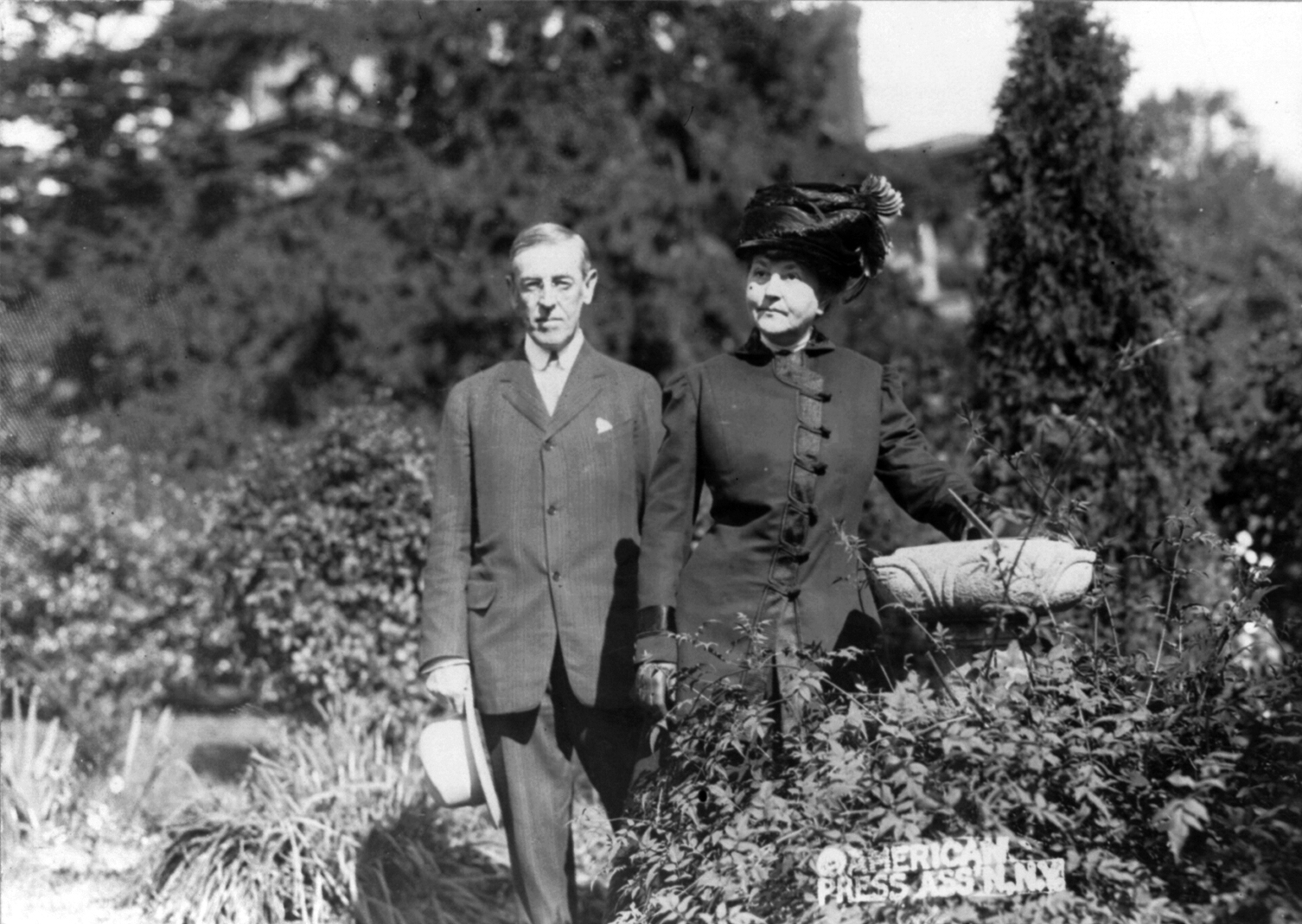 Woodrow_and_Ellen_Wilson_cph.3b19111