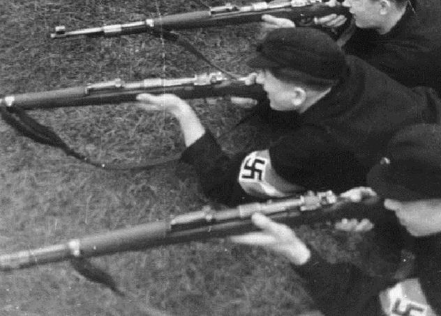 Hitlerjugend, vormilitärische Ausbildung