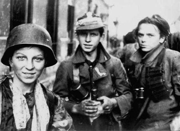 6 Warsaw_Uprising_boyscouts