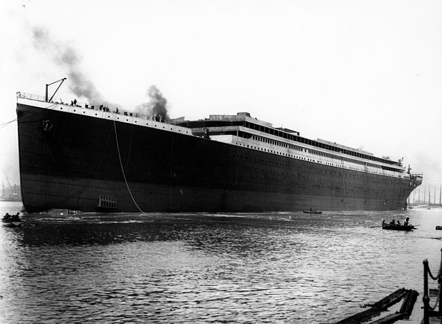 640px-Titanic_launched_at_Belfast