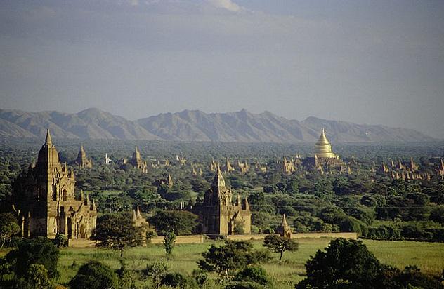 640px-Bagan,_Burma