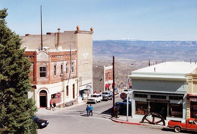 640px-High_street_Jerome,_Arizona