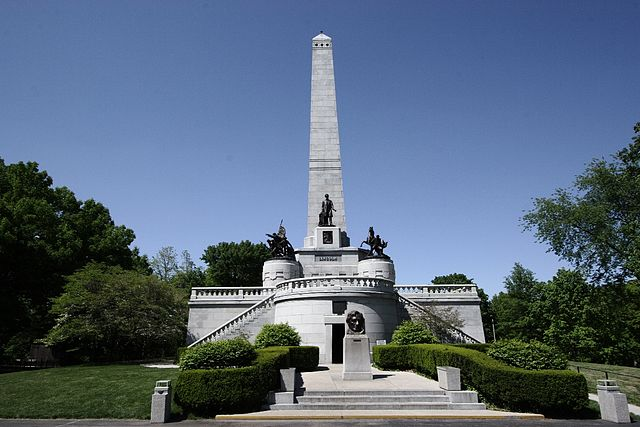 640px-Lincoln's_Tomb