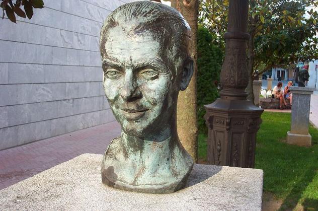 Bust of Frederico Garcia Lorca